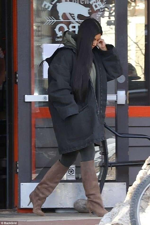 Kanye West all smiles as Kim Kardashian visits him in Wyoming (Photos)