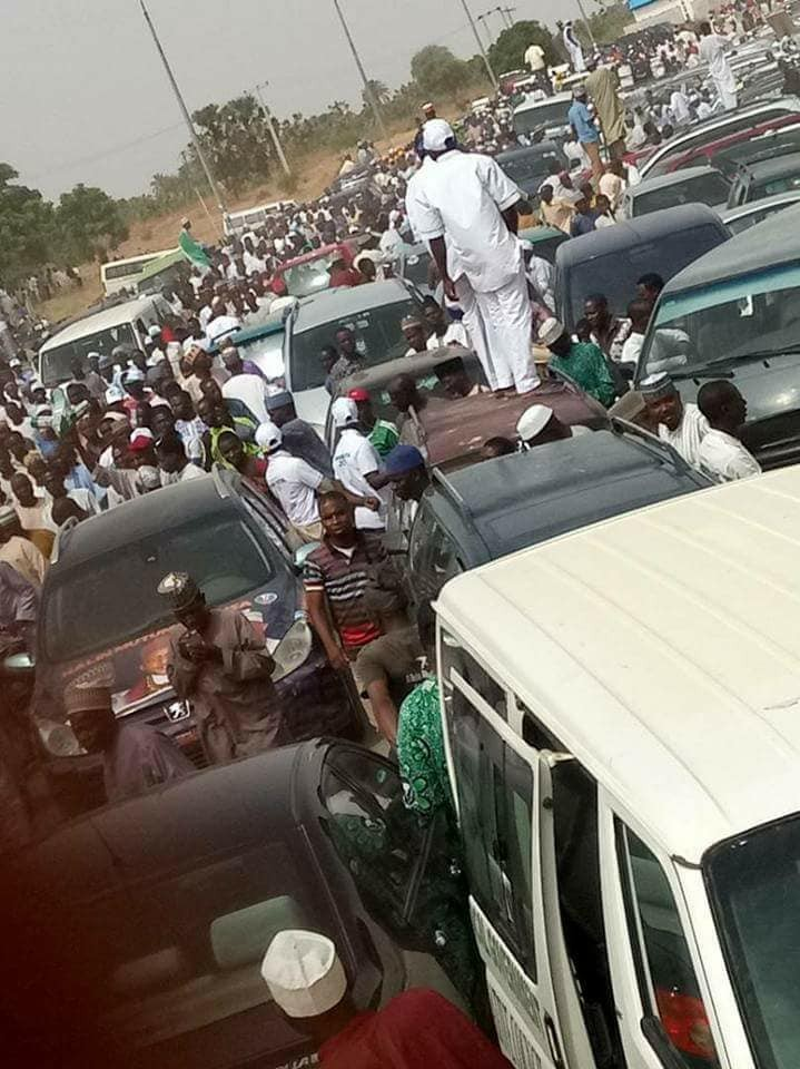 Photos: See the crowd that came out to welcome President Buhari in Jigawa state
