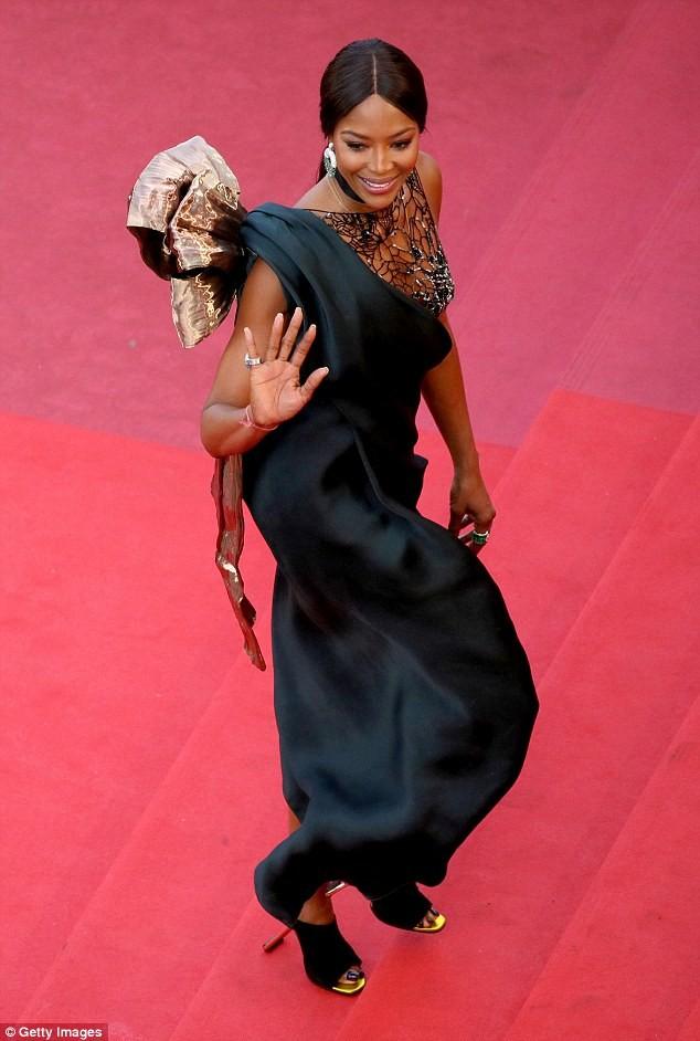 Naomi Campbell goes braless in daring see-through mesh dress at BlacKkKlansman premiere in Cannes (Photos)