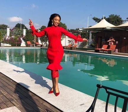 Tonto Dikeh shows amazing flexibility as she somersaults Four times to celebrate Toyin Abraham