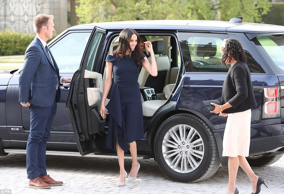 "Meghan Markle and her mother arrive at their hotel after tea with The Queen; bride-to-be says she feels ""wonderful"""