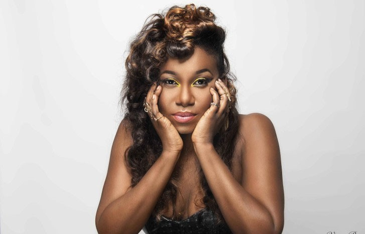 Niniola robbed of Cash and Jewellery at a restaurant in South Africa