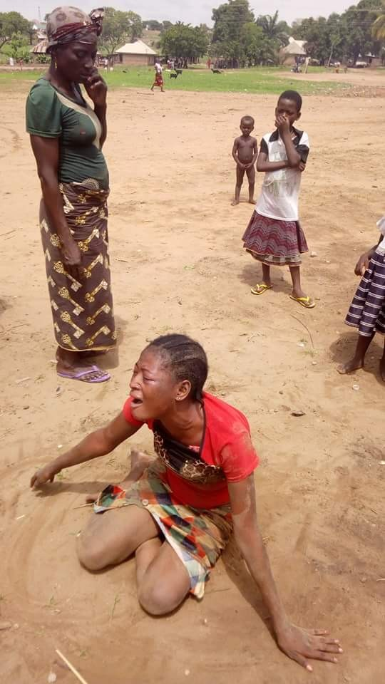 Photos: Young woman wails in grief after her only child dies at IDP camp in Benue