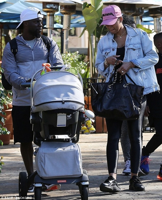 Kevin Hart takes wife Eniko Parrish and three children out for lunch and Ice cream in LA (Photos)