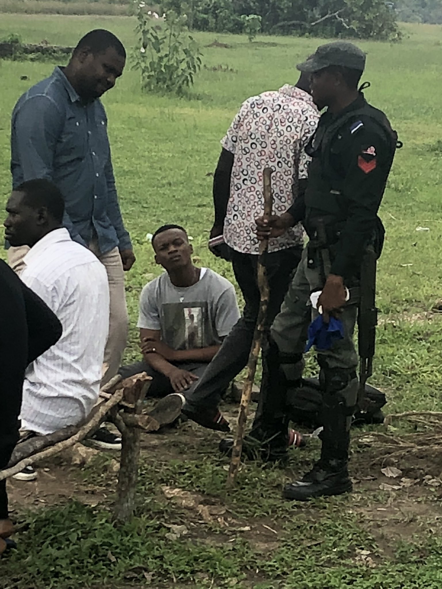 Lagos police arrest man rushing home to see his dying dad because he had four phones with him