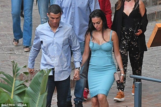 Cristiano Ronaldo and girlfriend Georgina Rodriguez step out for dinner in Malaga? (Photos)