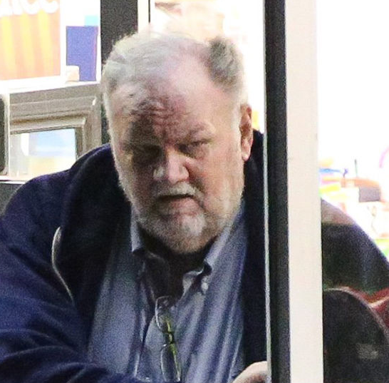 """I never asked my daughter for money"" Thomas Markle reacts to reports he asked Meghan Markle for money and she refused"