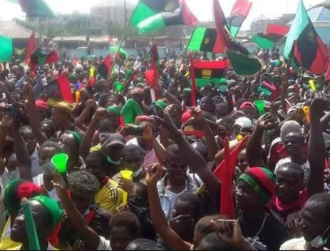 22 people?arrested In Enugu State for trying to hoist the Biafran flag at the State House