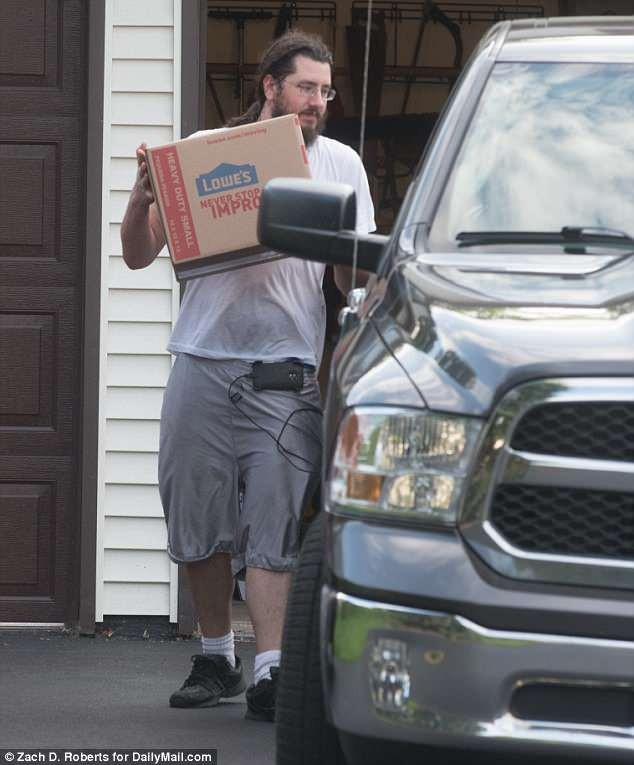 Evicted jobless son, 30, finally packs out his belongings including toys from his parents