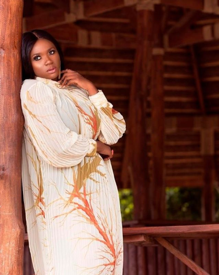 Waje looks sensual as she covers magazine...(photos)