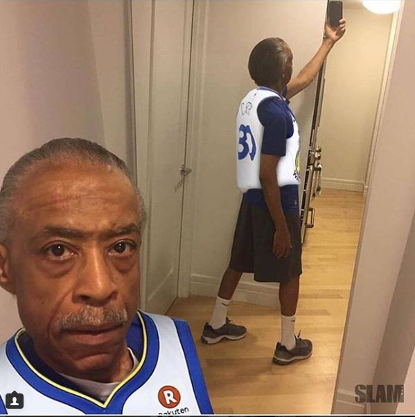 Rev. Al Sharpton takes a mirror selfie and the internet is poking fun at him