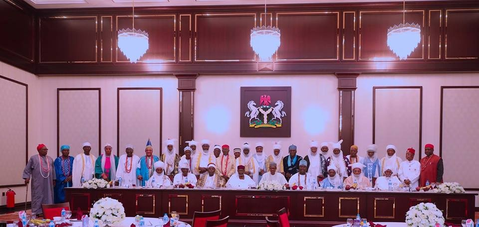 President Buhari breaks Ramadan fast with Traditional rulers and religious leaders(photos)