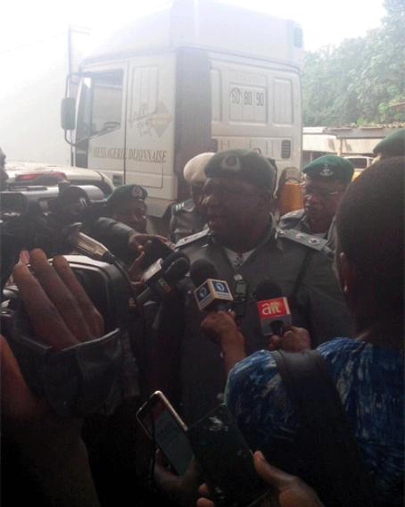 Ogun Customs seizes N64.2m Range Rover, arrests 2 (photos)