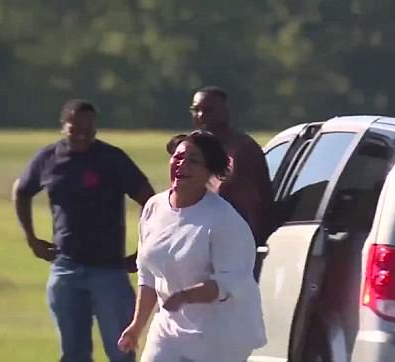 Alice Marie Johnson has emotional reunion with her family right after prison release (video)