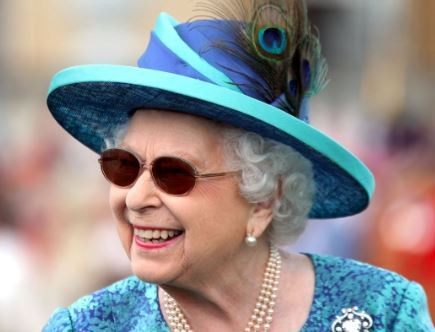 Queen Elizabeth had eye surgery?for cataract in May, which explains why she