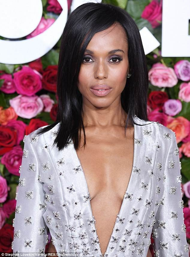 Kerry Washington stuns in silver jumpsuit at Tony Awards in New York (Photos)