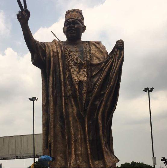 June 12: Governor Ambode unveils new?MKO Abiola Statue in Lagos (Photo)