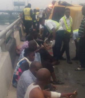 Tragedy averted as commercial bus fully loaded with 24 passengers almost plunge into Lagos Lagoon