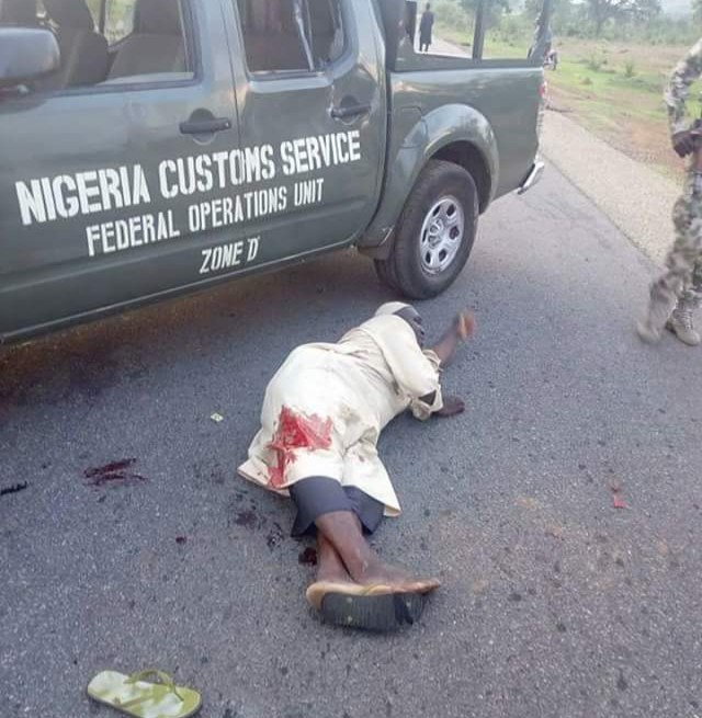 Photos: Trigger-happy Customs officer allegedly shoot driver during heated argument over fee at checkpoint in Bauchi