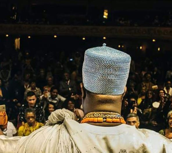 This photo of Brazilians paying homage to Ooni Of Ife will make you fall in love with culture