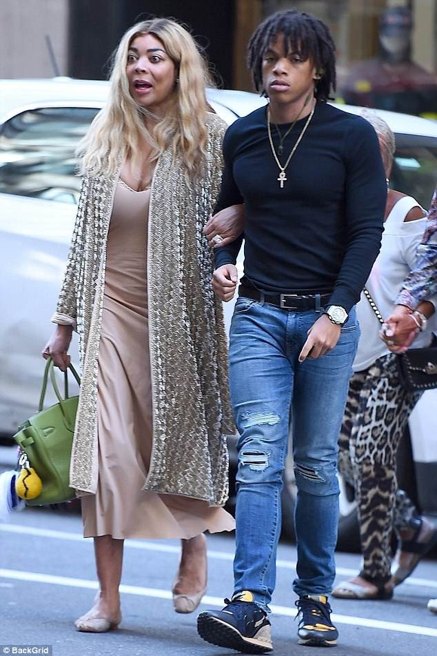 Wendy Williams looks extremely startled during outing with her son Kevin?in NYC (Photos)