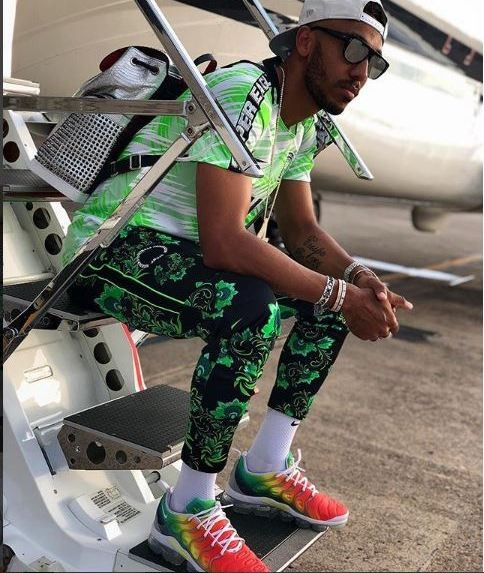 Aubameyang poses in super eagles kit