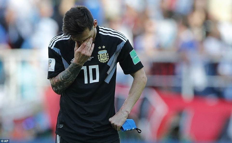 #WorldCup2018: Lionel Messi fails to inspire Argentina to their first win, misses a penalty as they settle for 1 - 1 draw against Iceland?