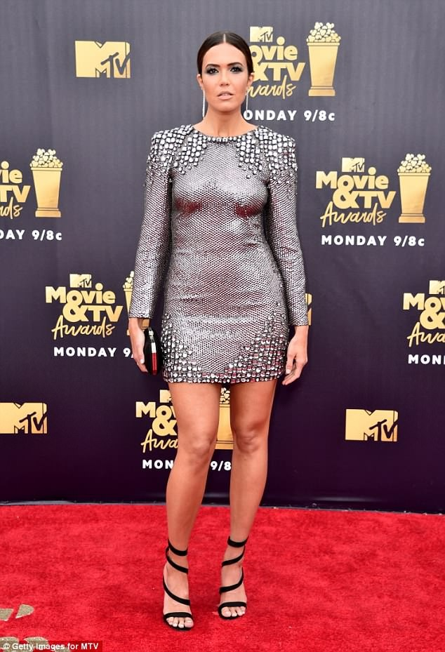 Stunning red carpet photos from the 2018 MTV Movie and TV awards?