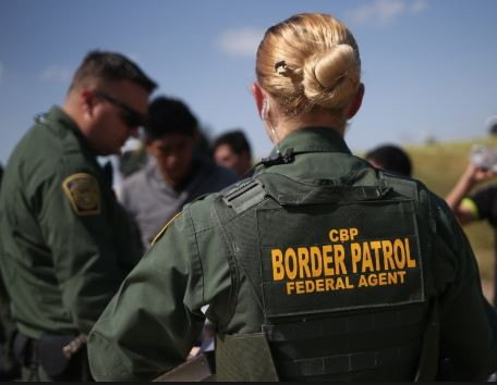 US border patrol chases five?immigrants to their deaths in Texas