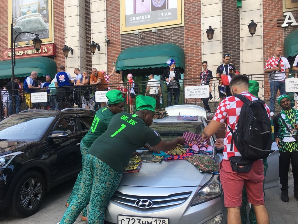Photo of Nigerians selling Ankara fabric at the World Cup goes viral