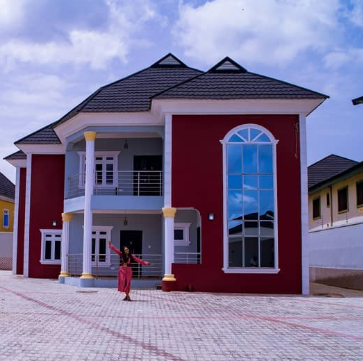 Yay! Actress Mercy Aigbe just bought herself a house (photos)