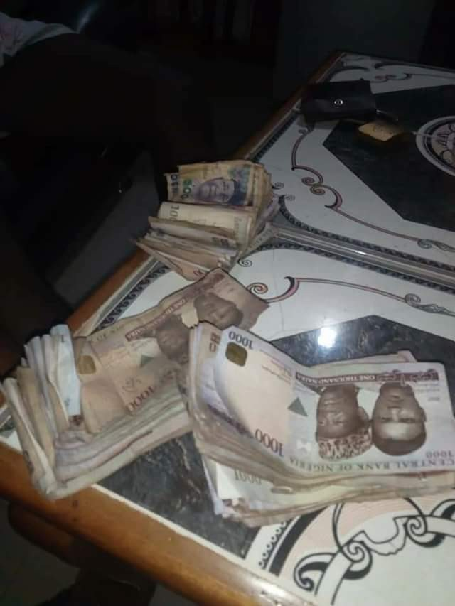 Photos-Nigerian man full of praises for his wife after she gave him N147K saved in piggy bank to pay house rent