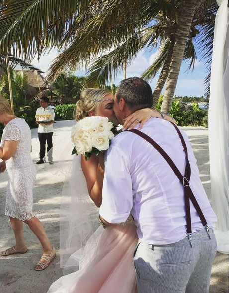 Bride runs off with lover 16 days after wedding