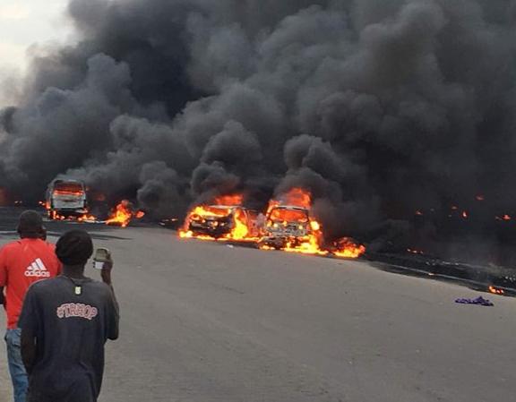 Cars and people burnt as tanker explodes on Otedola bridge, Lagos-Ibadan expressway (photos)