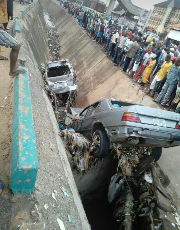 Three Bank staff reportedly dead after their car was swept away by flood in Onitsha (Photos)