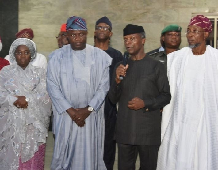 Vice President Osinbajo and Governor Aregbesola pay sympathy visit to?Lagos State over the Otedola bridge tanker explosion