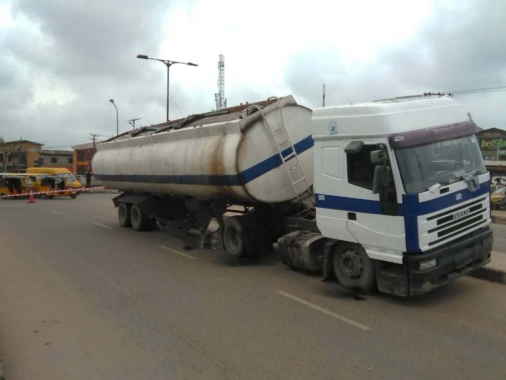 Tragedy averted as truck filled with Diesel almost falls off in Lagos