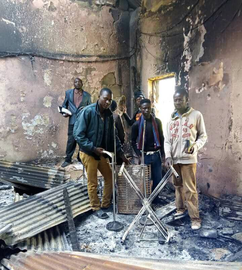 Locals worship in their burnt church after the building was torched in the Plateau massacre carried out by suspected Fulani herdsmen (photos)