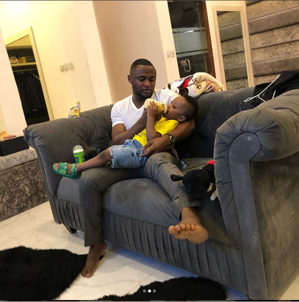 DaddyDuties! Ubi Franklin shares photos of himself bottle-feeding his cute son Jayden