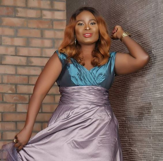 Nigerian singer, Essence shares new photos to celebrate her 40th birthday
