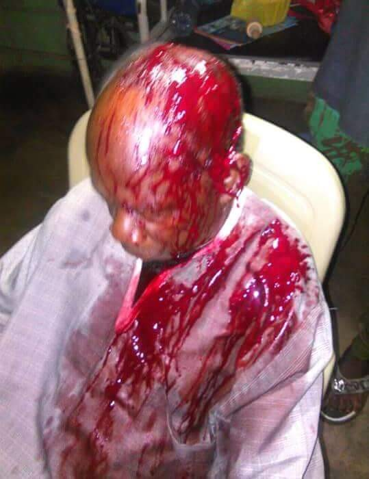 Teenager attacks elderly man with machete in Imo State (photos)