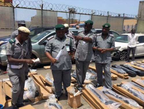 Photos:?Another shipment of guns and ammunition intercepted at Tin-Can Port in Lagos