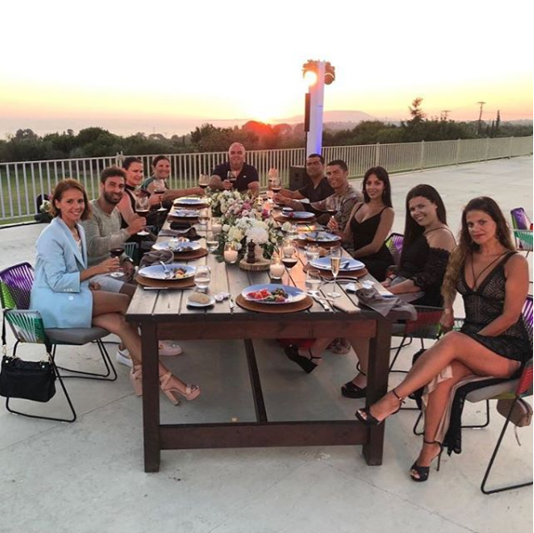 Cristiano Ronaldo celebrates ?100million move to Juventus with family & friends as they enjoy dinner together (Photos)