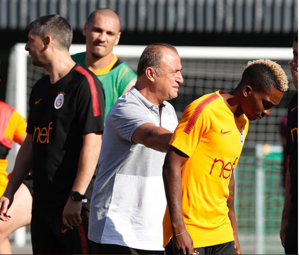 Nigerian winger Henry Onyekuru joins Galatasaray on a season-long loan from Everton (Photos)