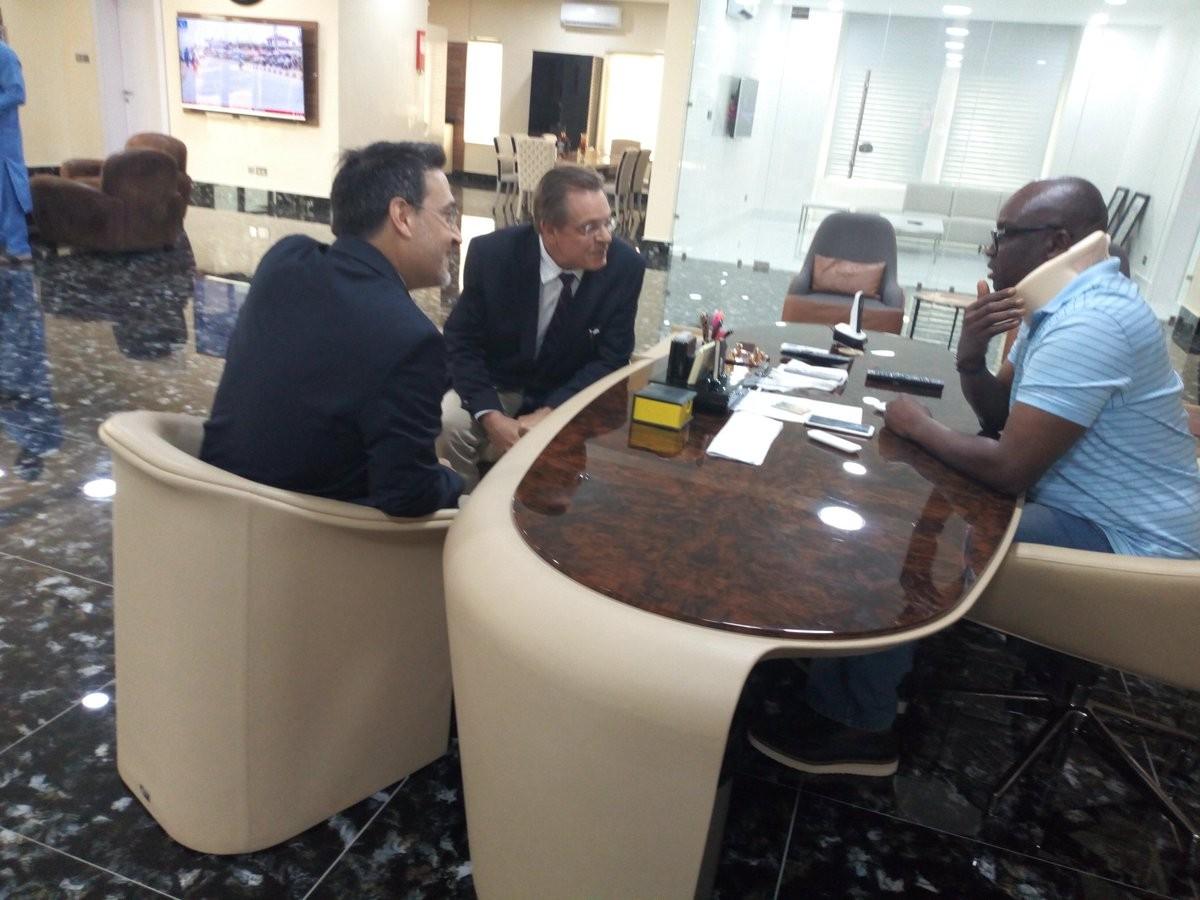 Photos: US Consular general, John Bray, visits injured Governor Ayo Fayose