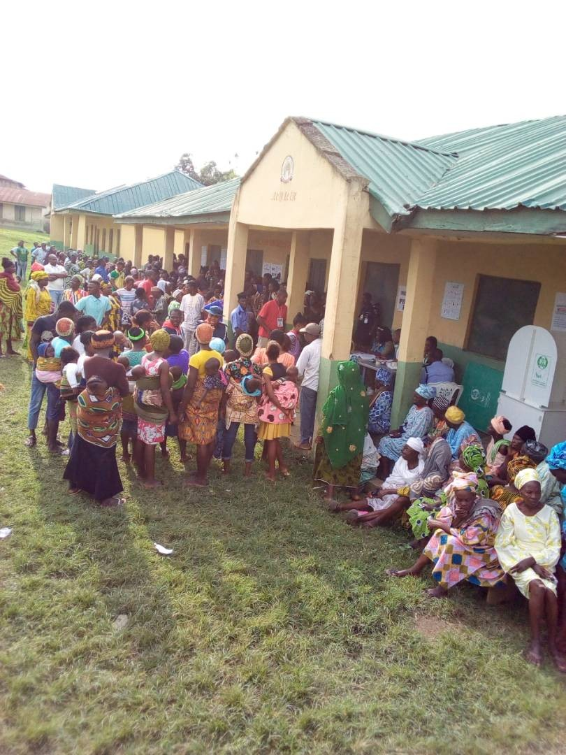Photo: Nursing mothers troop out in Ekiti state to cast their votes