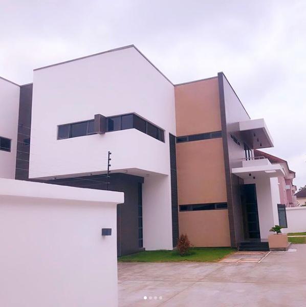 "Veteran Striker, ""Obagoal"" Obafemi Martins shows his new mansion in Lagos. See Photos…"