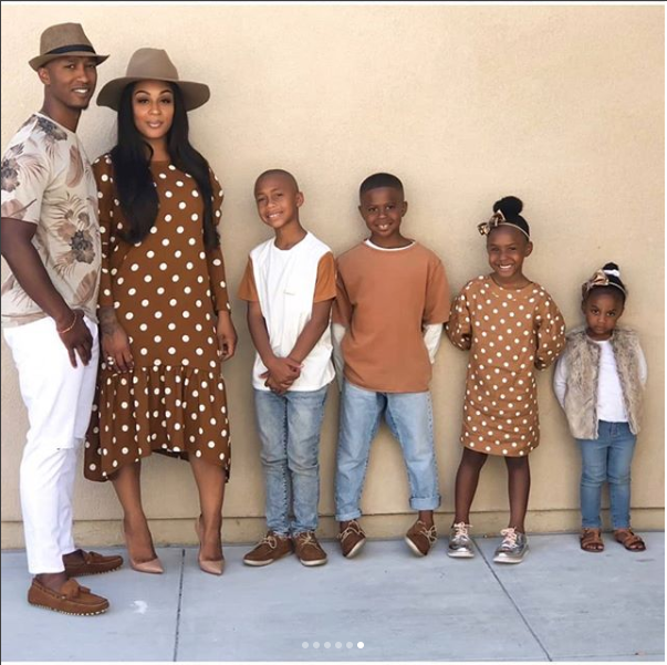83f0ea99f7069 See how this beautiful family of six slayed in 6 photos wearing coordinating  outfits