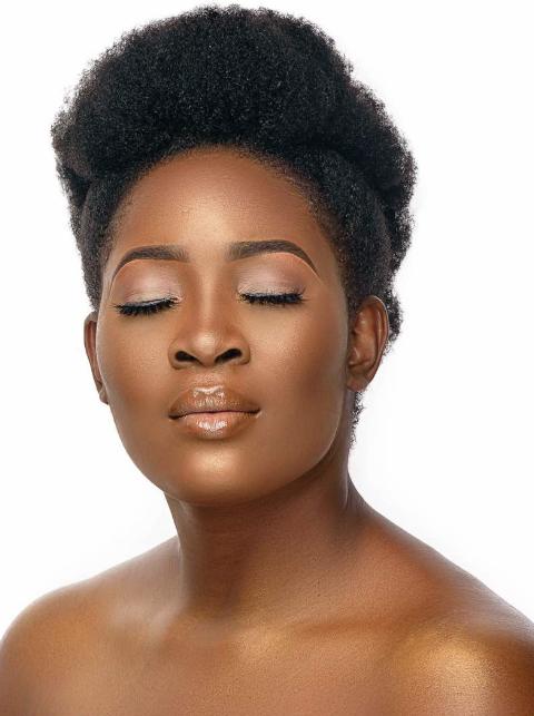 Linda Ikeji TV host, Tope Olowoniyan looks stunning in new photos