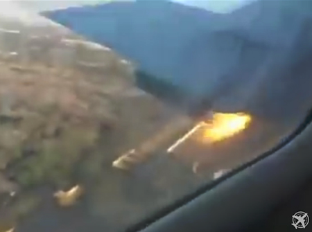 Chilling video shows final moments before fatal plane crash that occurred recently in South Africa (scary video)